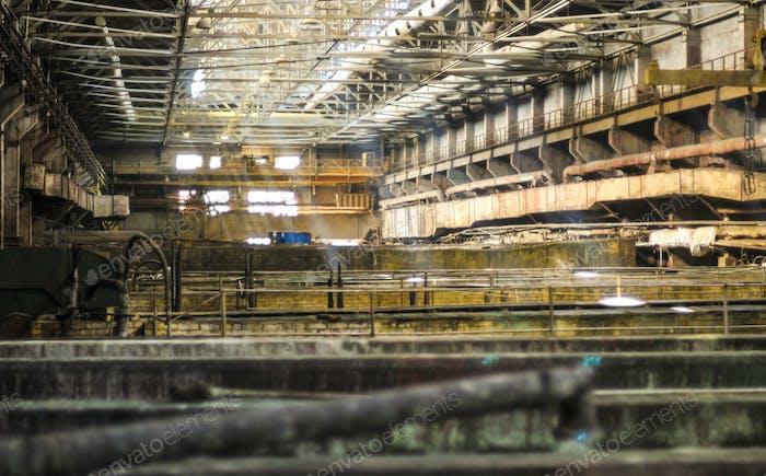 Bäder und Dosen von chemisch aktiven Flüssigkeiten in explosionsgefährdeten Industrien