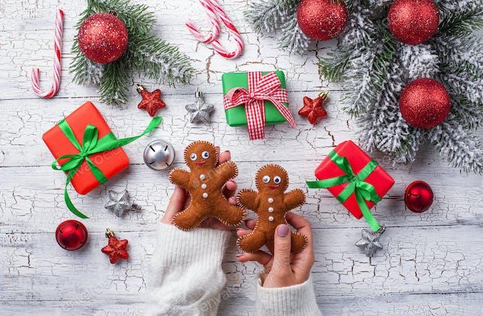 Geschenkboxen, Zuckerrohr und Baum