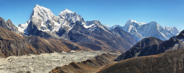 View of Everest and Lhotse peaks from Gokyo Ri, Nepal