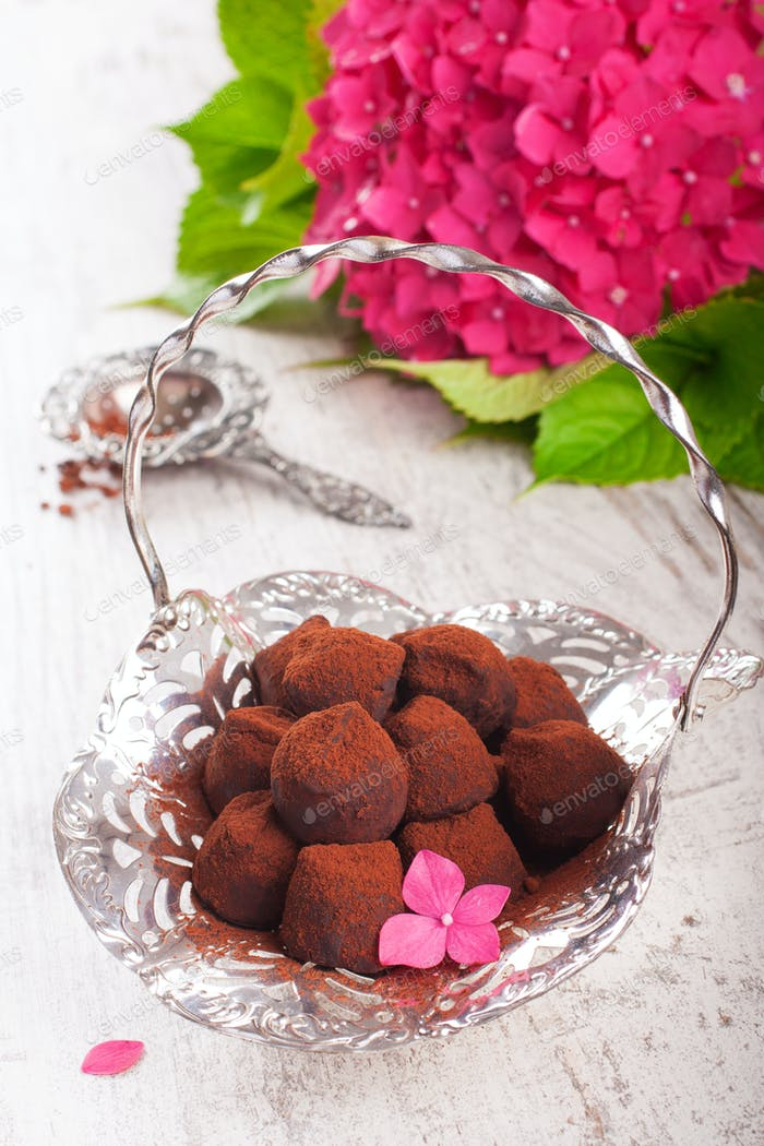 Truffle chocolate candies