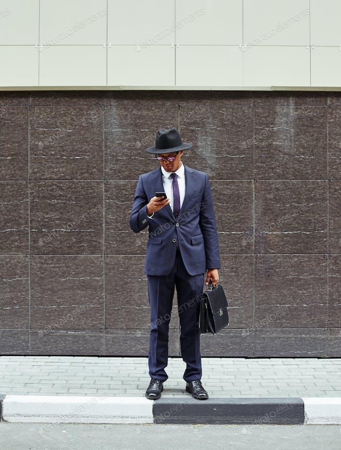 Businessman on trottoire