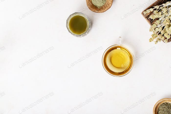Variety of green, black and matcha tea
