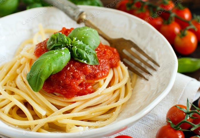 Spaghetti pasta with tomato sauce