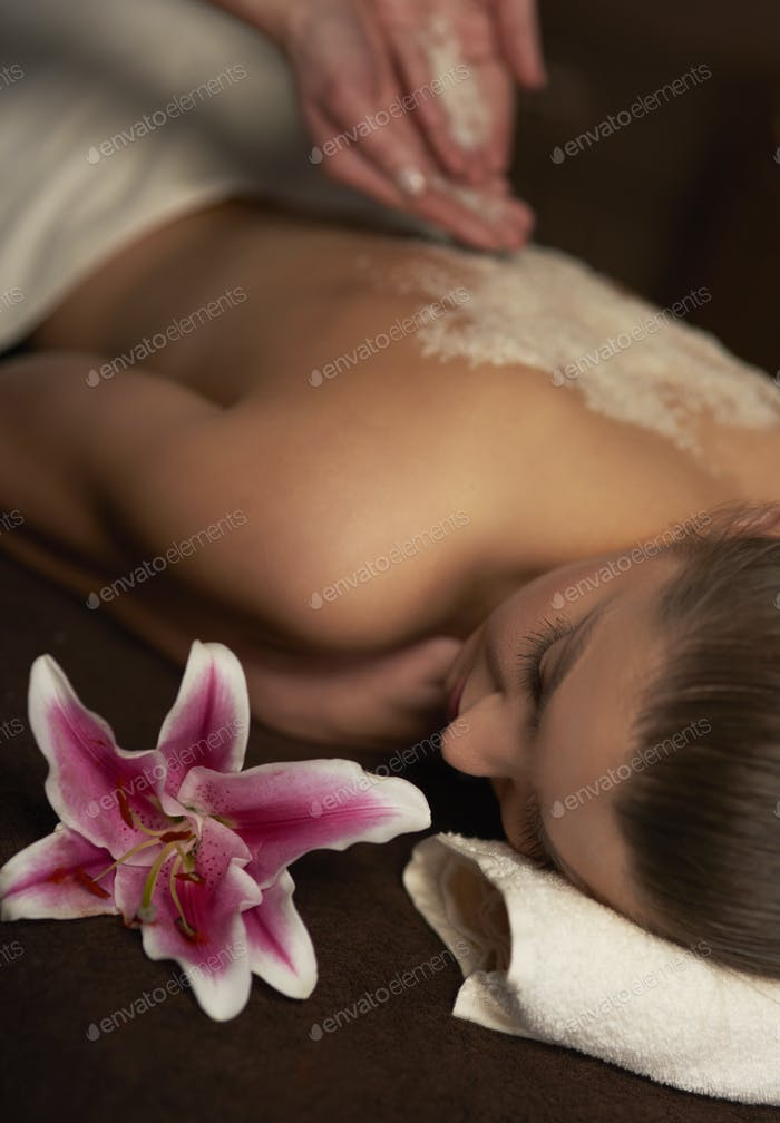 Exfoliation treatment at the spa