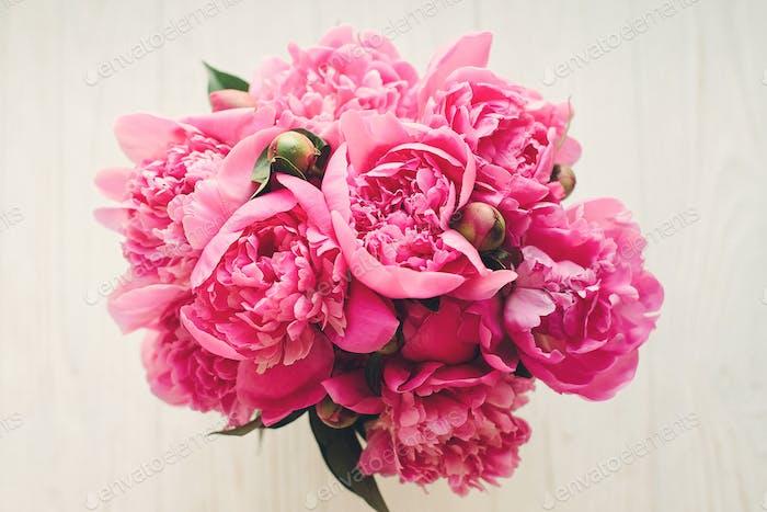 romantische rosa Pfingstrosen