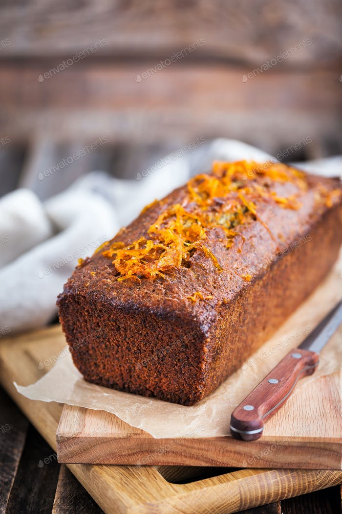 Orange and poppy seeds cake