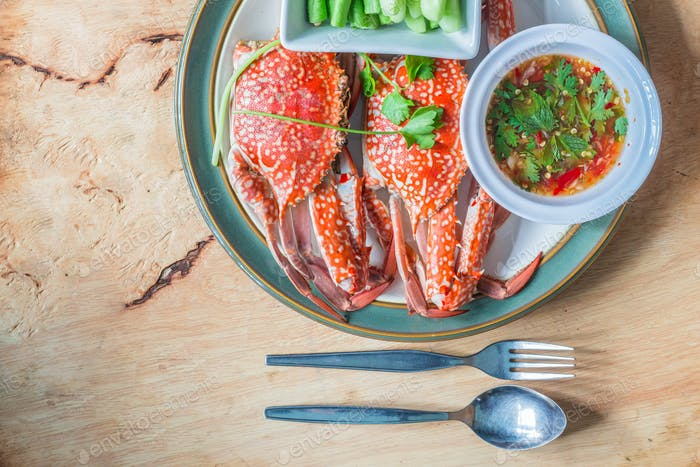 Steamed crab on plate