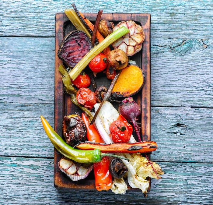 Großteil gegrilltes Gemüse