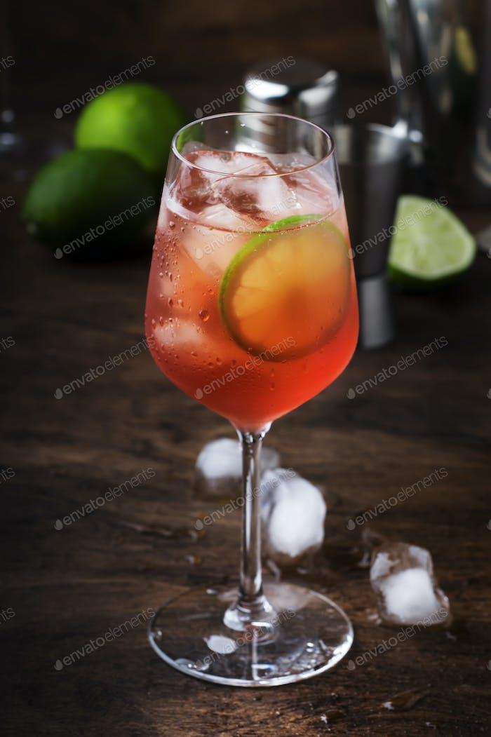 Campari Tonic Alkohol Cocktail