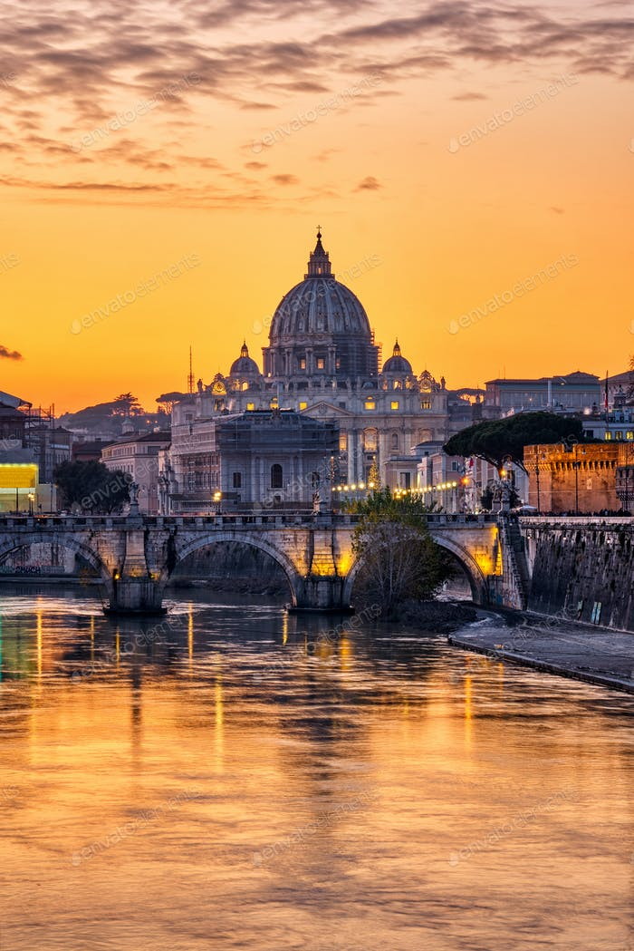 Sunset over the St. Peters Basilica