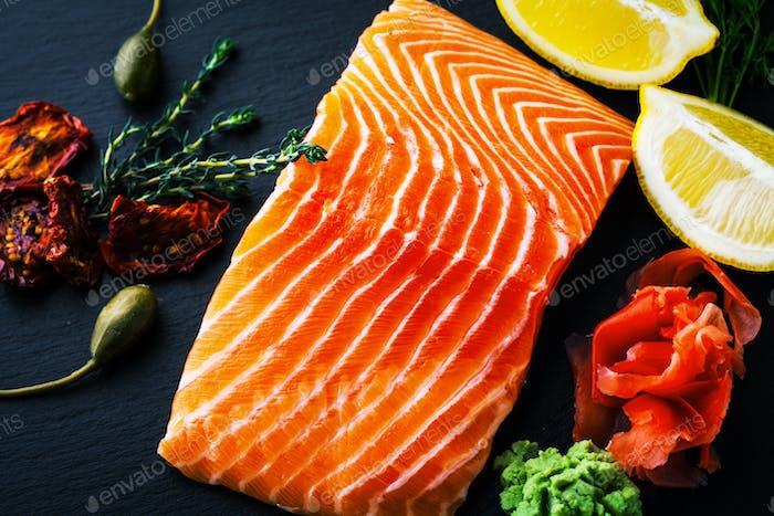 Fresh salmon with ginger and lemon