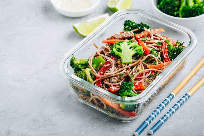Beef broccoli noodles stir fry meal prep lunch box container