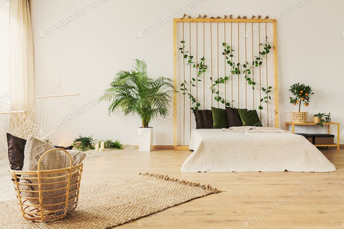 Eco bedroom with rope wall
