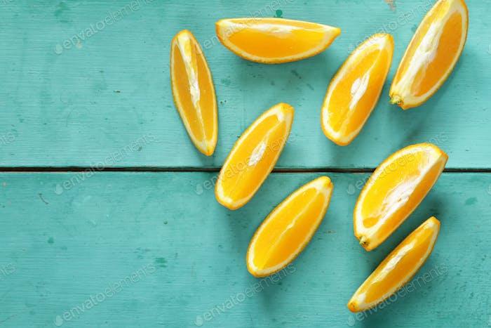 Color: naranja.