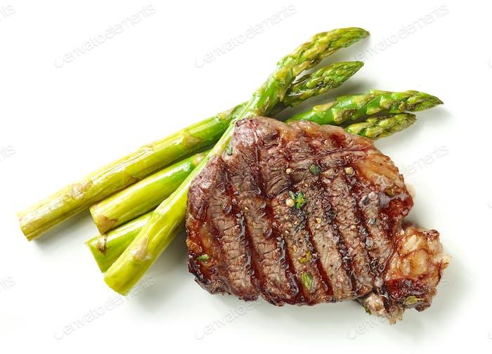 gegrilltes Steak und Spargel