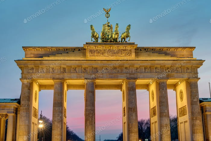 Morgendämmerung am Brandenburger Tor
