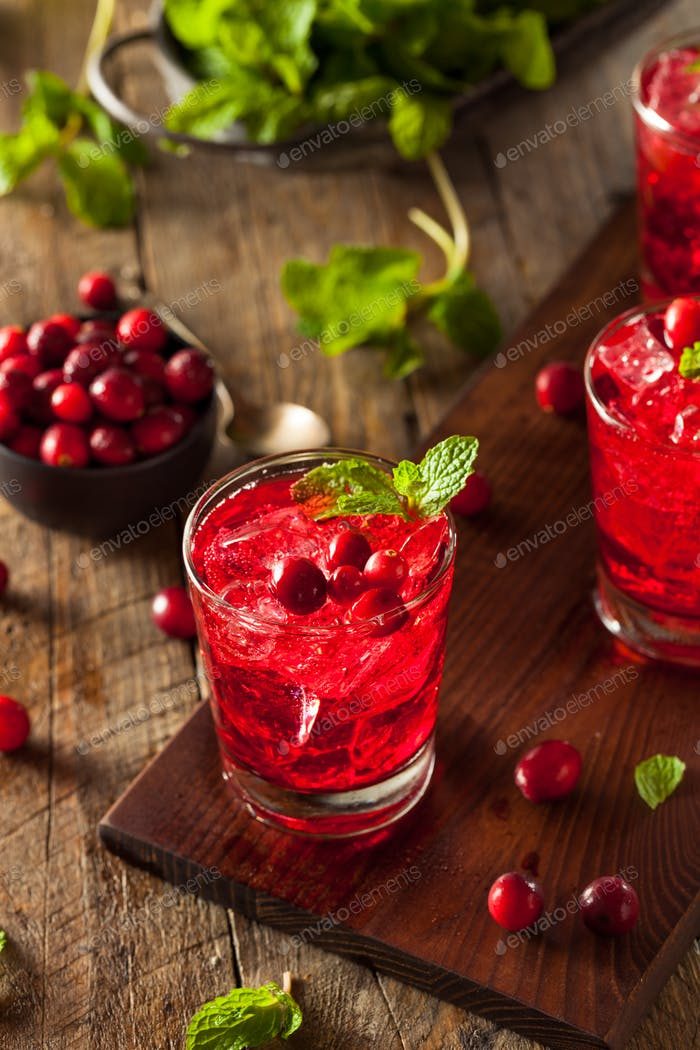 Homemade Boozy Cranberry Cocktail