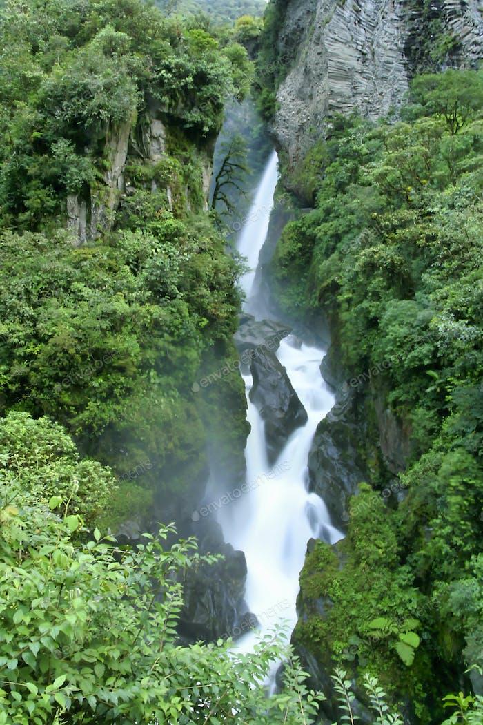 Pailón del Diablo Waterfall, Río Verde Waterfall, Ecuadorian Andes, Ecuador