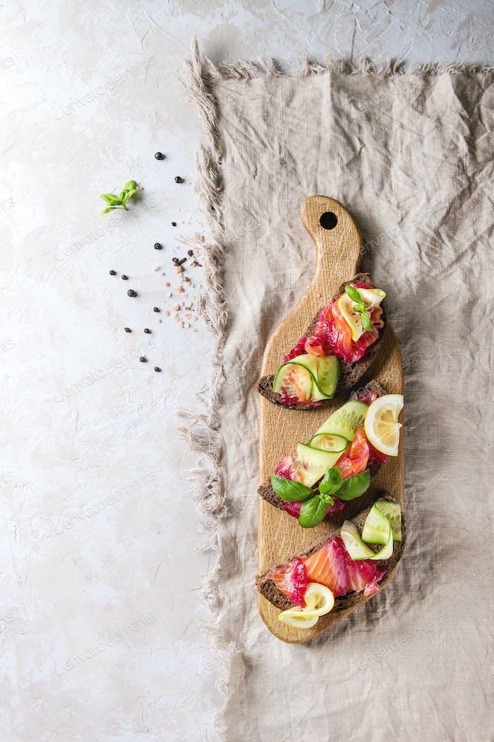 Beetroot marinated salmon sandwiches