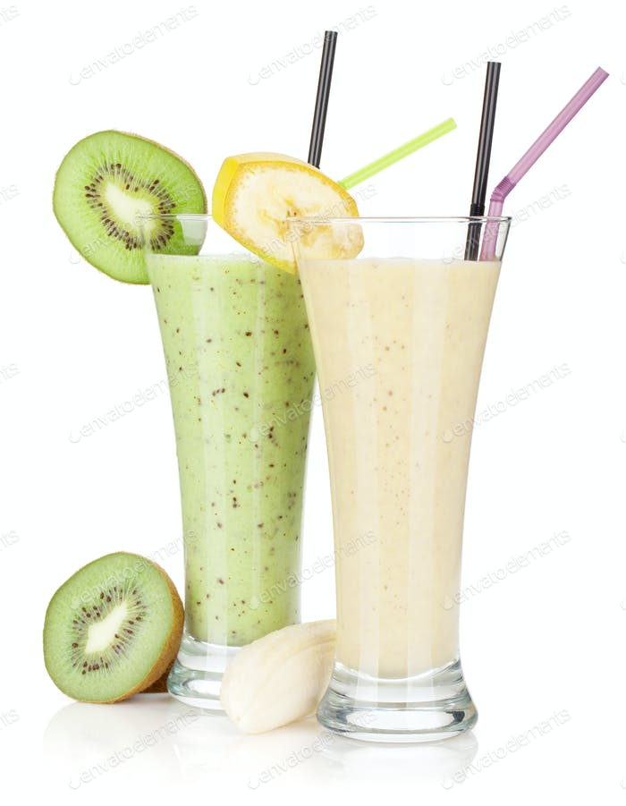 Kiwi and banana milk smoothie