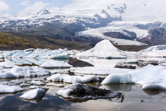 Eisberge in Fjallsarlon Gletscherlagune