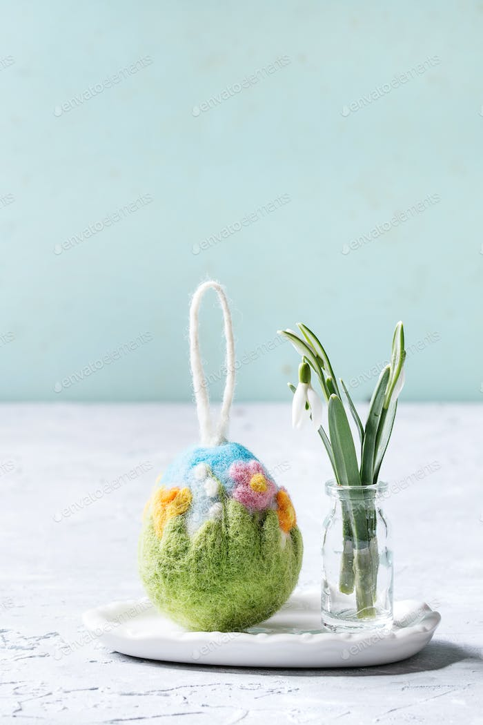 Felting Easter egg