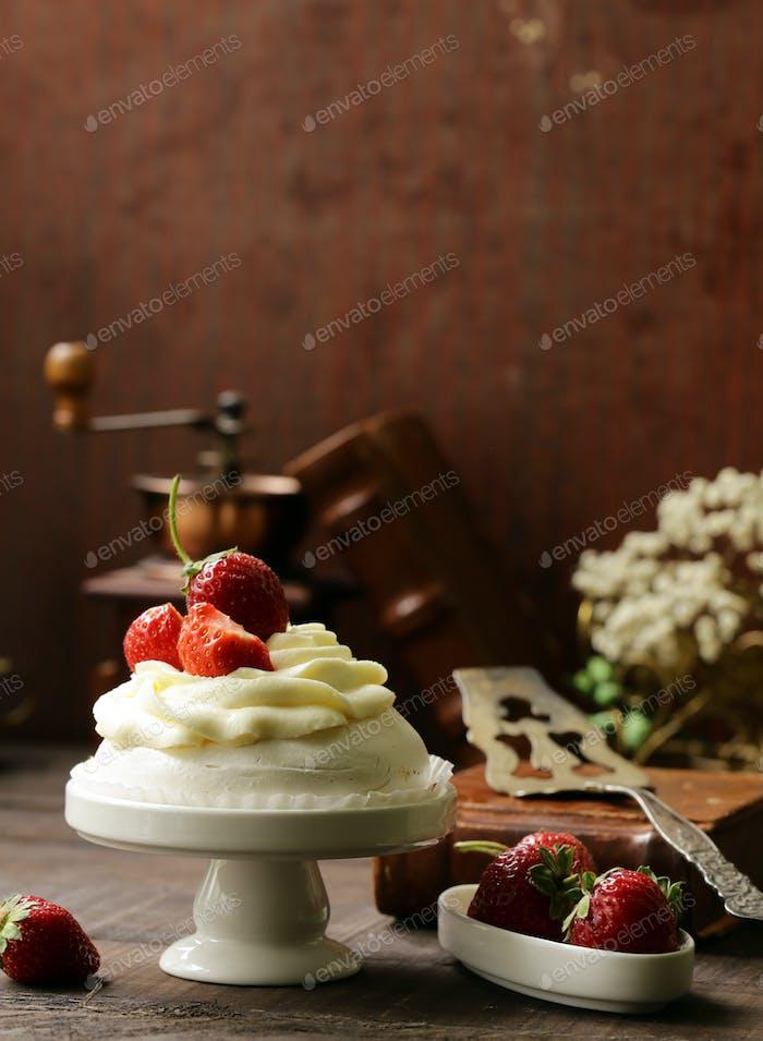 Meringue Pavlova Cake