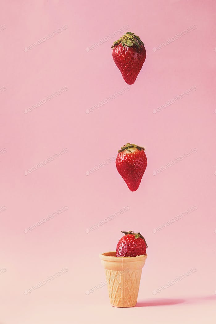 Thumbnail for Strawberries in waffle cup