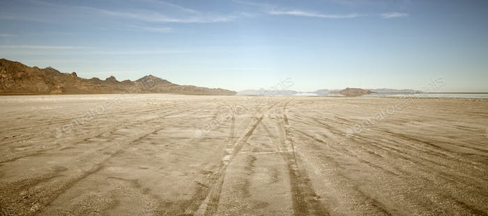 53791,Tire tracks in Bonnaville Salt Flats, Utah, United States