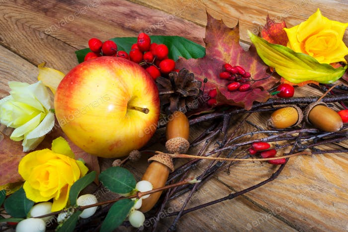 Thanksgiving decor with apple and barberry