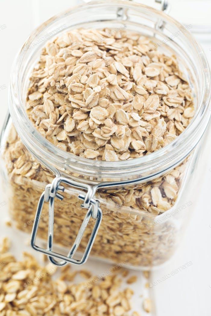 oat flakes in jar