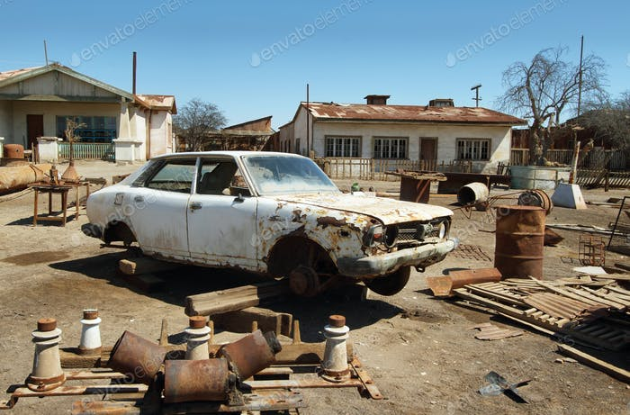 Ruine des alten Autos in Humberstone, Chile