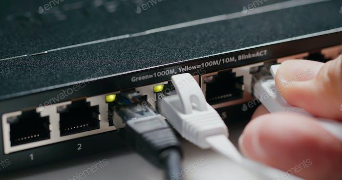 Ein- und Ausschalten des Internet-Switches