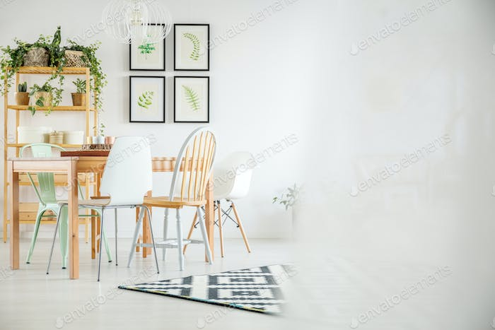 Botanic room with dining table