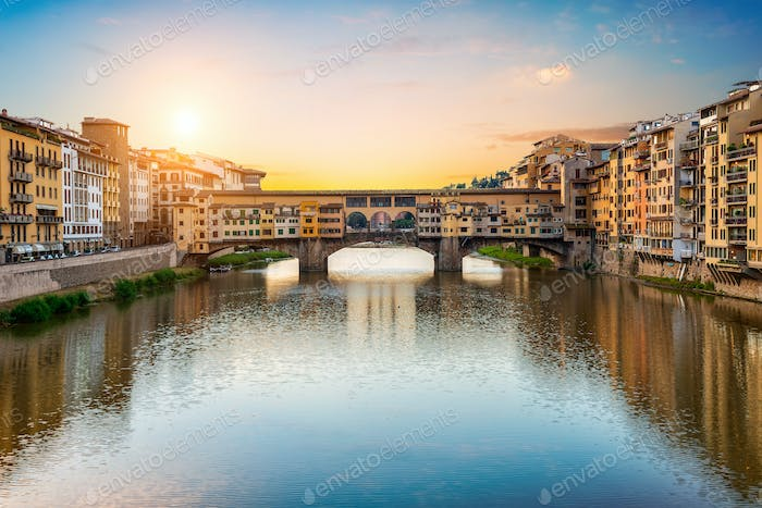 Morning sun over Vecchio bridge