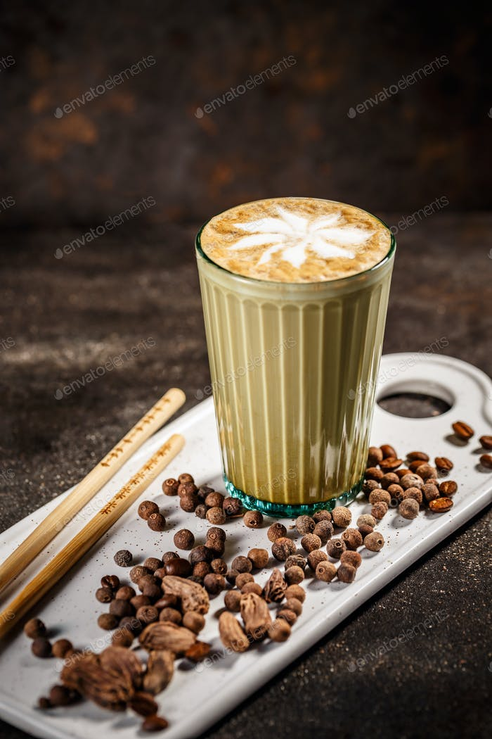 Coffee latte with cardamom