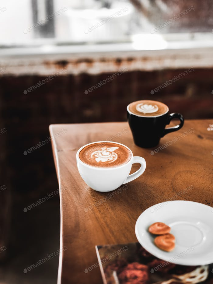 Hot Cafe Latte und Hot Cappuccino