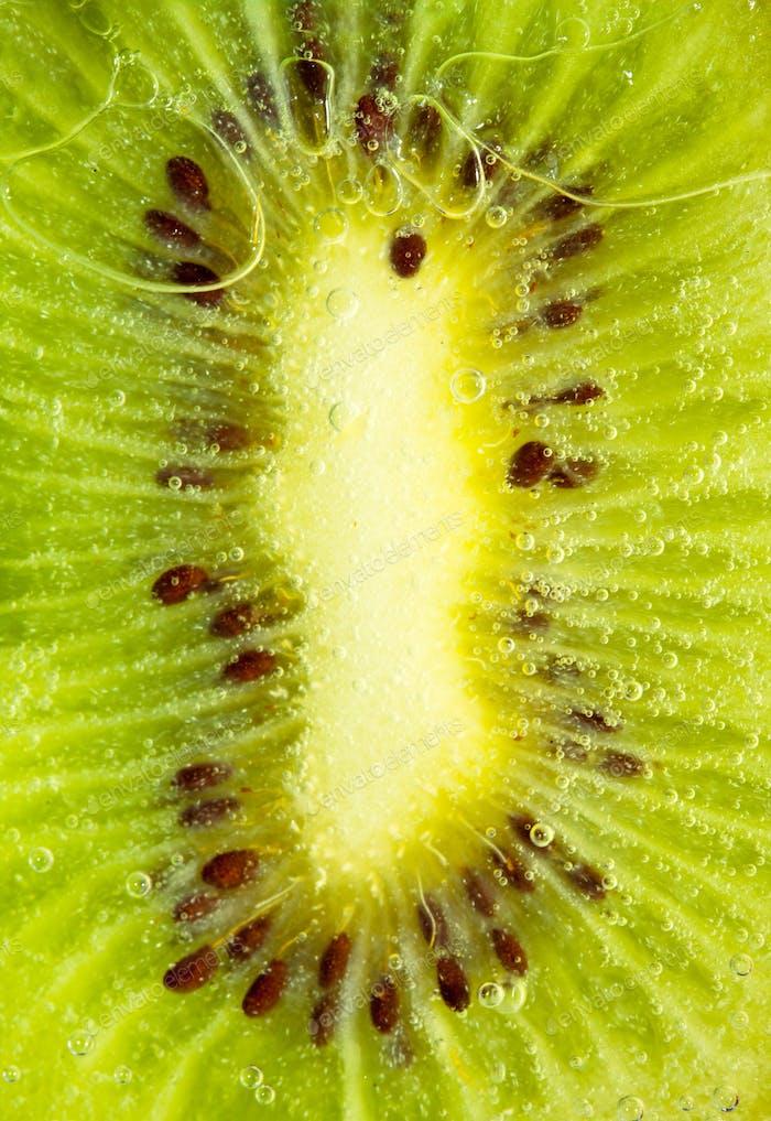 Saftige Kiwi-Scheibe