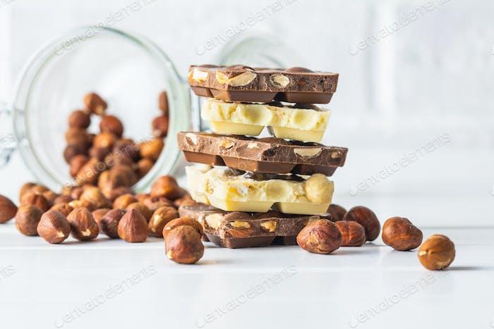 White and dark nut chocolate with hazelnuts.
