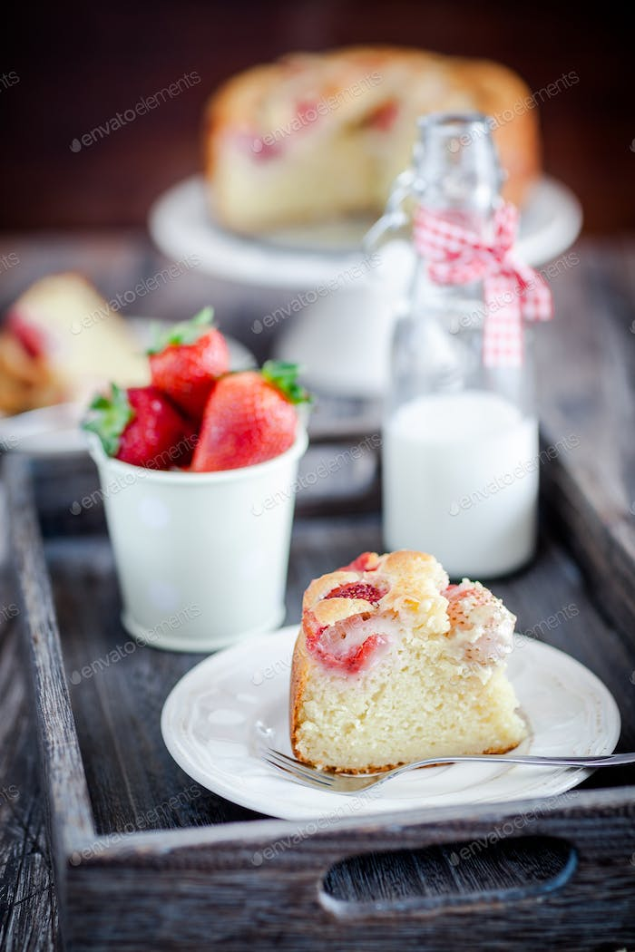 Homemade delicious strawberries cake - better than from bakery