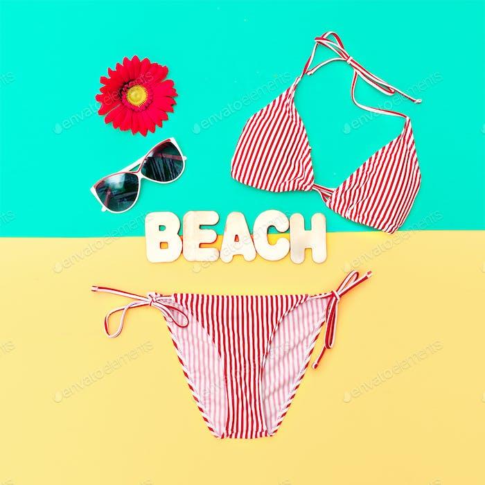 Modischer Bikini und Accessoires. Strandmode Stil