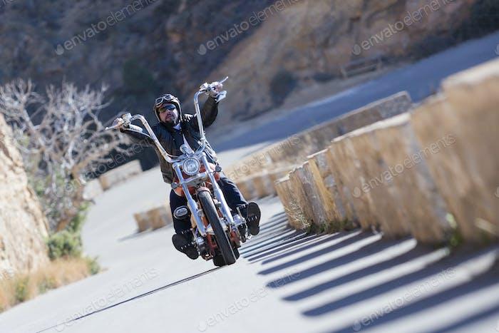 ein Hubschrauber Motorrad fahren