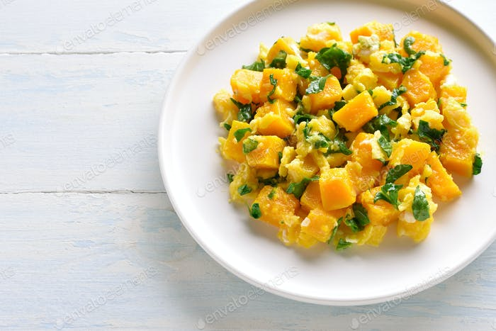 Stir-fried pumpkin with eggs