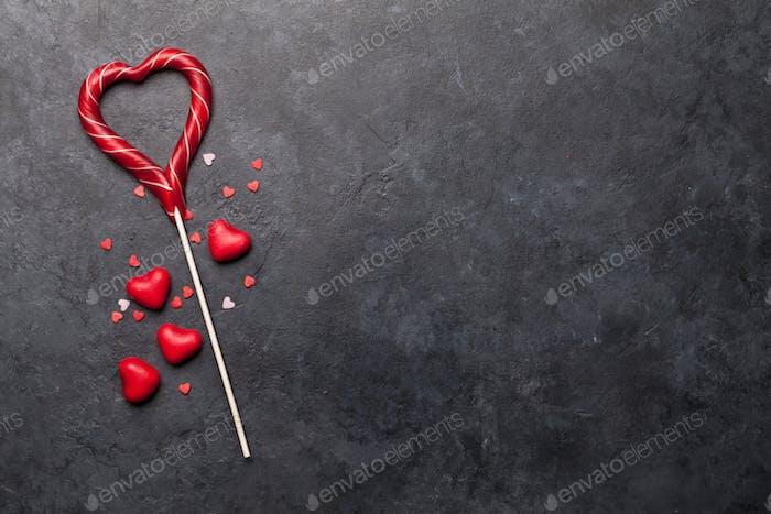 Valentinstagskarte mit Süßigkeiten