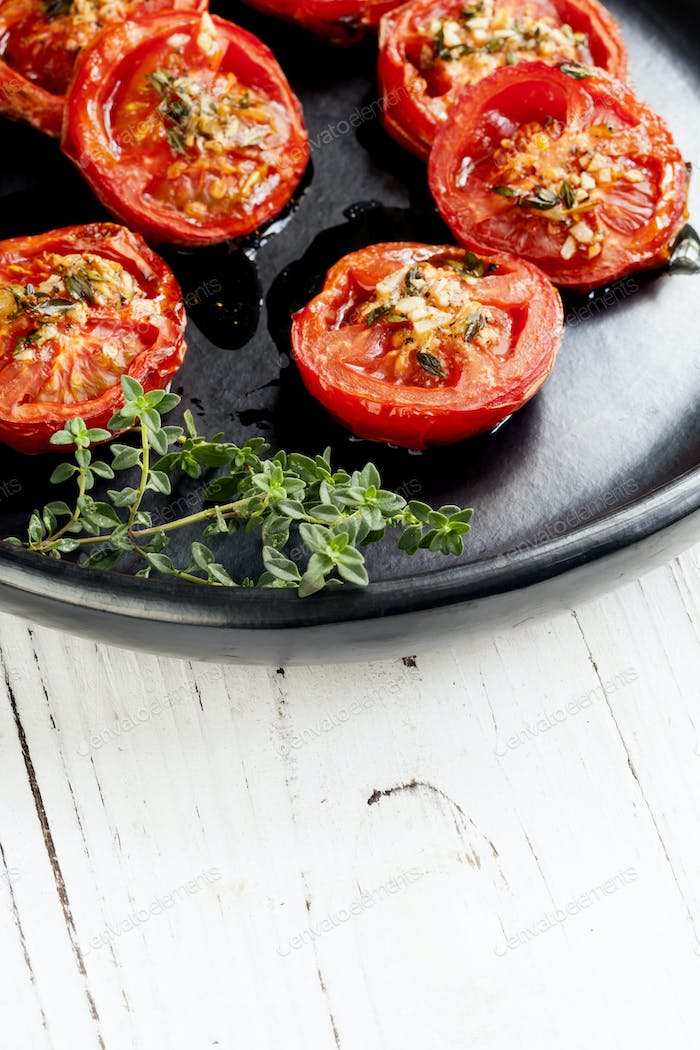 Roasted Tomatoes with Garlic and Thyme