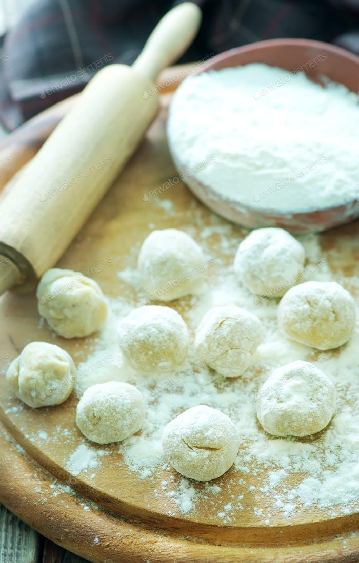 balls from flour