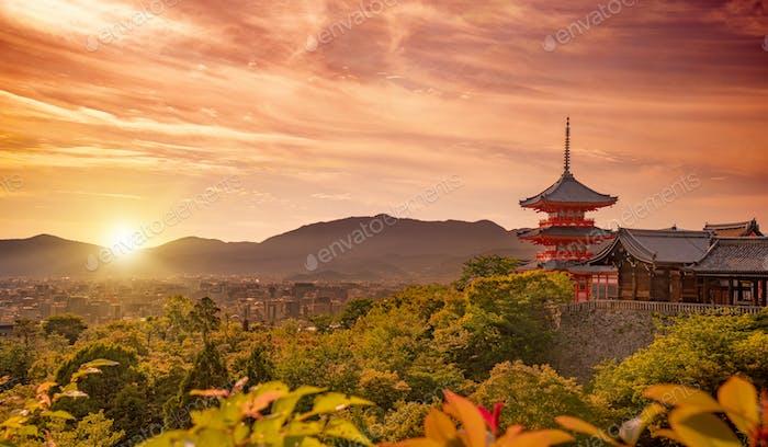 Kiyomizudera temple at sunset, Kyoto, Japan