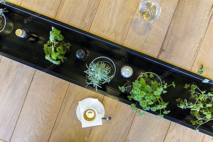Gemüse und Getränke auf dem Tisch
