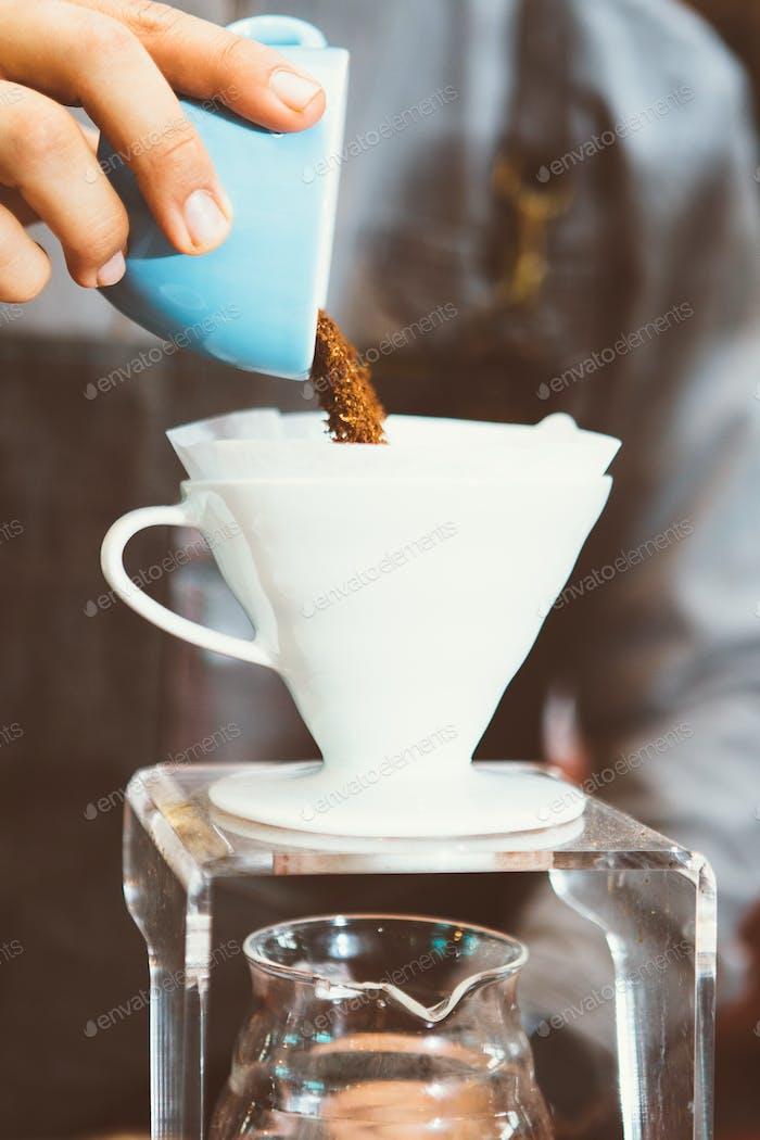 Coffee preparation in chemex