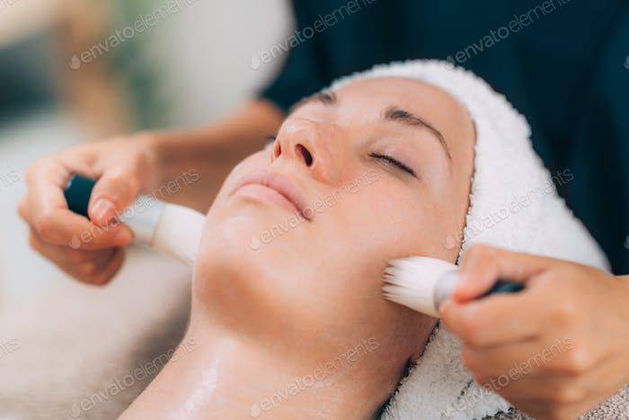 Face Cleansing Before Cosmetic Treatment